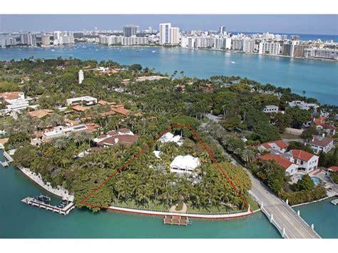 shaqs star island house interior celebrity home gloria estefan lists florida estate for 40m american luxury