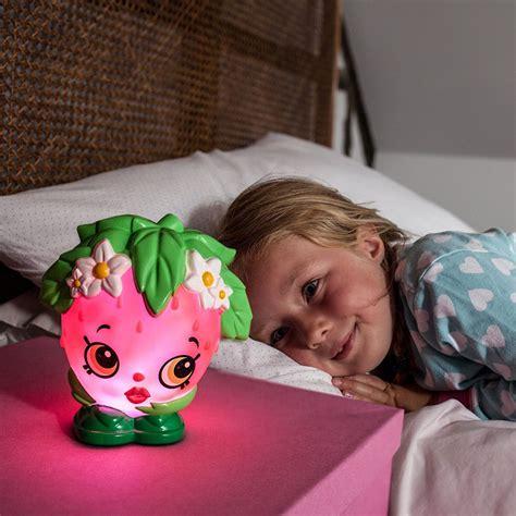 große outdoor pflanzbehälter shopkins erdbeeren kuss illumi mate farbver 228 nderndes licht