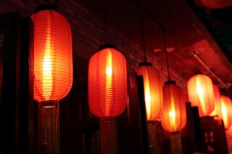 lanterne giapponesi da giardino illuminazione giardino le lade giapponesi