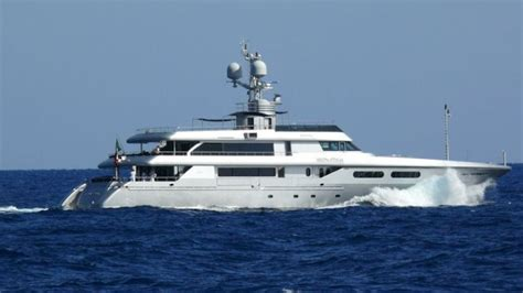 judge judy s boat 10 most enviable celebrity yacht owners boats and outboards