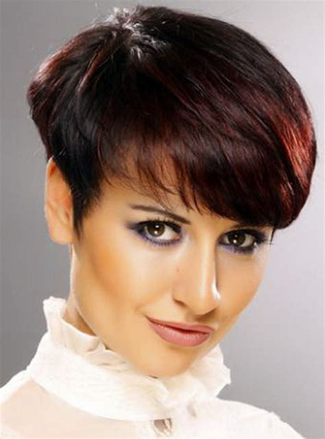 cutting thin hair into a wedge short wedge haircut pictures
