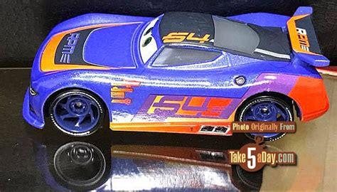 Mattel Mini Racers Cars 3 Wave 3 No 32 Dr Damage Ambulance Putih mattel disney cars mattel disney pixar cars 3 wave 2