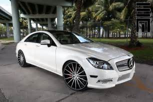 Rims Mercedes Mercedes W218 Cls550 White On Vossen Vfs2 Wheels