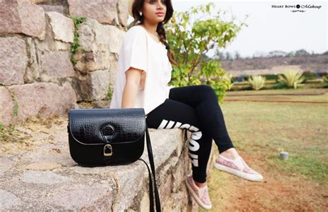 Tas Slingbag Nike Just Do It Black Check White Ootd A Casual Day Out At Golconda Fort Hyderabad