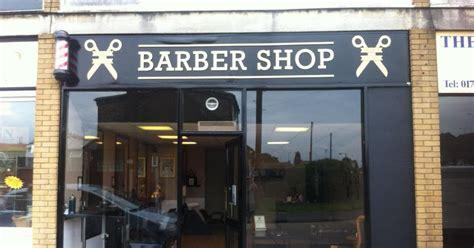 desain interior barbershop minimalis