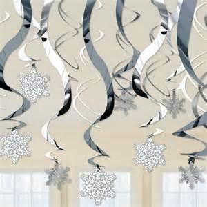 Winter Wonderland Snowflake Decorations - 17 best ideas about winter wonderland decorations on pinterest winter wonderland christmas