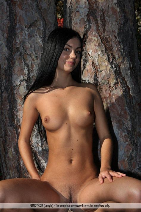 Pictures Of Hot Girl Monyka Enjoying A Naked Nature Hike