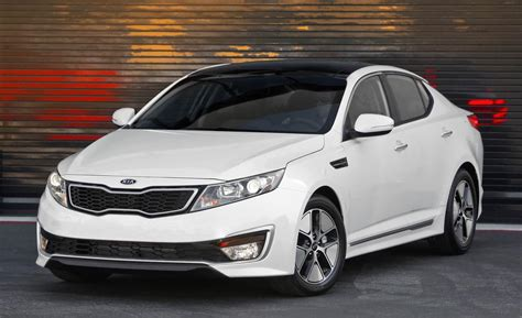 Optima Kia 2012 by Car And Driver