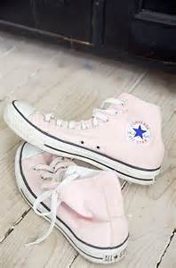 light pink high top converse shoes i