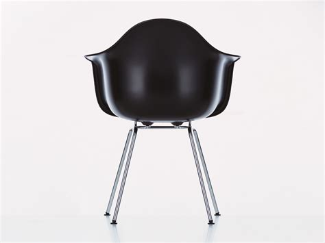 vitra eames plastic armchair buy the vitra dax eames plastic armchair at nest co uk
