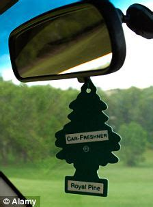 air fresheners: dangerous items that dangle from 1.5m car
