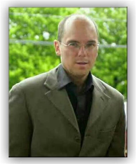kenny chesney looks like george costanza without his hat kenny chesney pinterest