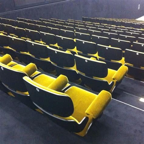 poltrona teatro poltrona imbottita per sala teatro idfdesign