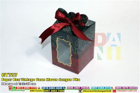Dompet Kunci Mobil Shabby Chic Hitam paper box vintage daun marun dengan pita souvenir pernikahan