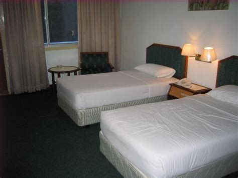 difference between single and twin bed hotel bedrooms beds helpforyourenglish