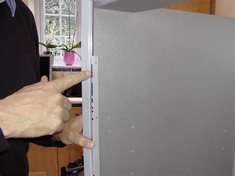 Heat Shields For Kitchen Cabinets by Kitchen Cabinet Heat Shield Trekkerboy