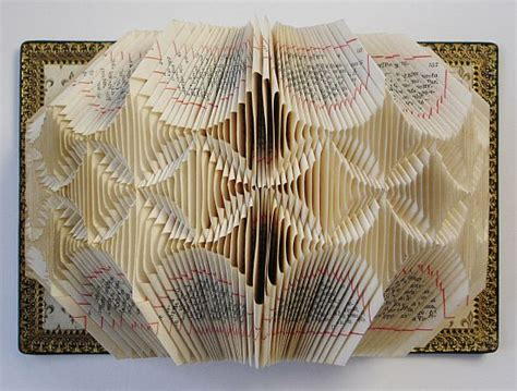 Paper Folding Artist - randoms book bringing the page to