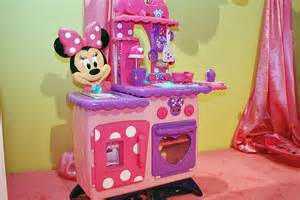 Minnie Mouse Kitchenware Minnie Mouse Kitchen Cake Ideas And Designs