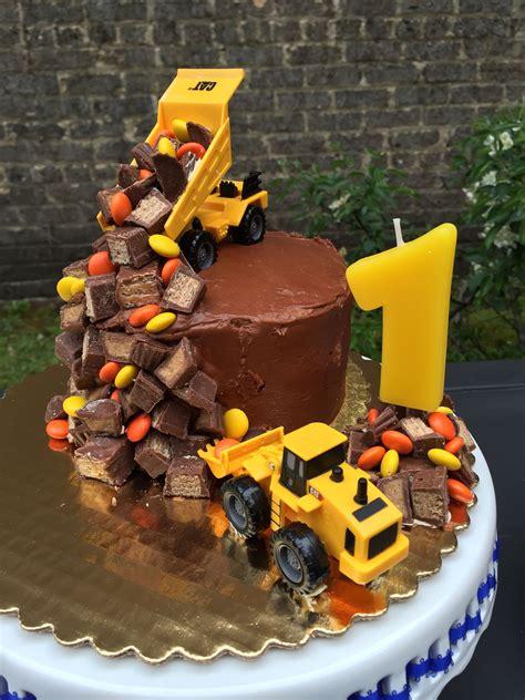 easy  adorable construction birthday party cake construction party ideas