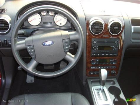2005 Ford Freestyle Interior by 2005 Ford Freestyle Limited Awd Black Dashboard Photo