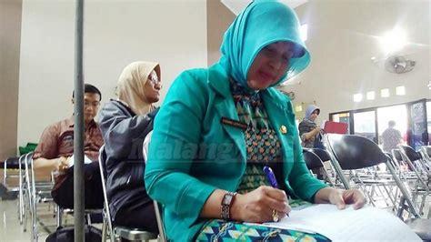 Kursi Kepala Kantor 16 kursi kepala puskesmas di kota malang diperebutkan 100