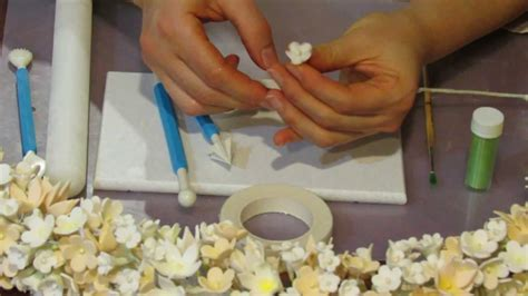 to make how to make a gumpaste flower spray