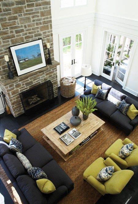 arrange  identical sofas