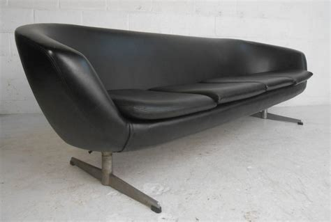 Overman Pod Sofa by Mid Century Modern Overman Pod Four Seat Sofa For Sale At