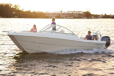 world cat boats video world cat 230 dc boats for sale yachtworld