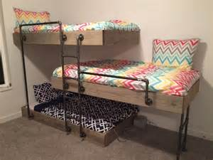 Bunk Bed For 3 25 Best Ideas About Bunk Beds On Bunk 3 Bunk Beds And Cabin Beds For
