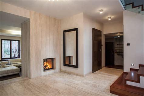 badezimmer baseboard ideen travertin naturstein fliesen f 252 r den innenbereich