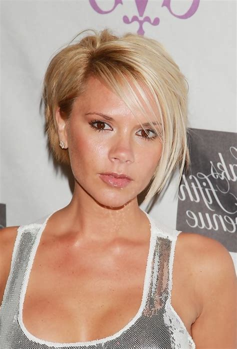 very short side parted hairstyle pictures victoria beckham stylish short side parted hairstyle with