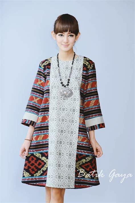 Dress Maxi Lurik Daun Sogan tenun indonesia baju indonesia kebaya