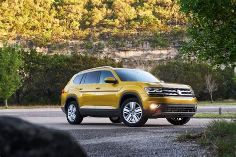 volkswagen atlas exterior 2018 volkswagen atlas price guide suv starts at 30 500