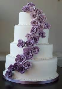 White Wedding Cake With Purple Roses   Arabia Weddings