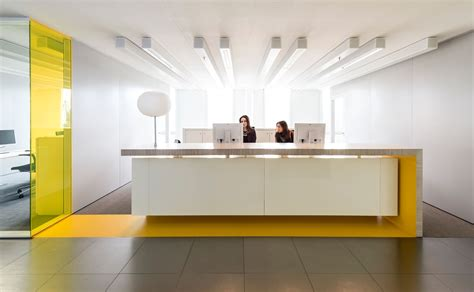 modern reception desk design studio groen schild corporate learning center