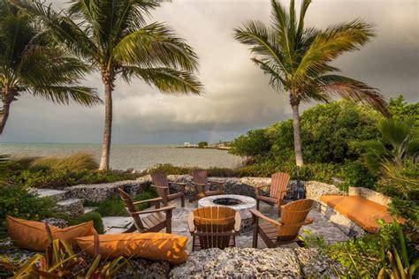 lush tropical beachside oasis craig reynolds landscape architecture hgtv