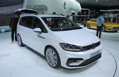 Volkswagen Touran 2020 by Vw Touran 2020 Specs Interior Price 2019