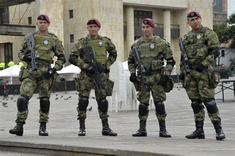 sueldos militares colombia incremento para las fuerzas armadas de colombia 2016