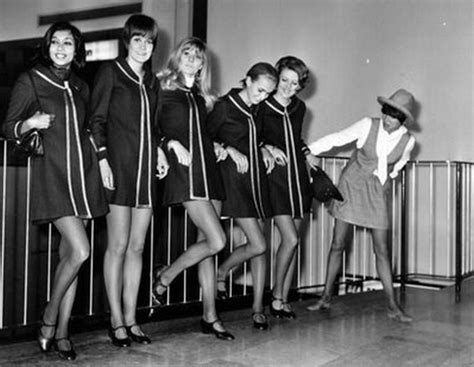 the bell of creation is swinging forever fashion il y a 50 ans la mini jupe de mary quant