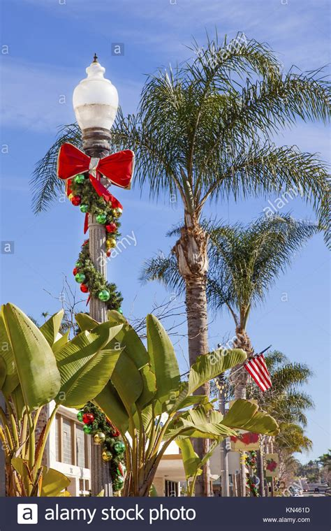 jacks christmas trees formerly eljac miami fl palm tree lights stock photos palm tree lights stock images alamy