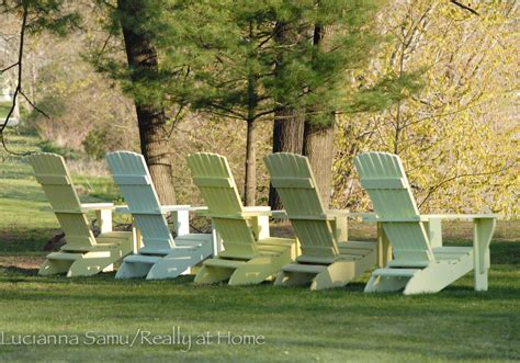 painting 6 different colored adirondack chairs in record time