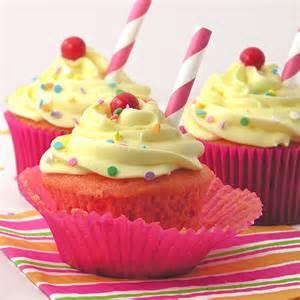 Cupcakes In Strawberry Lemonade Cupcakes Easybaked