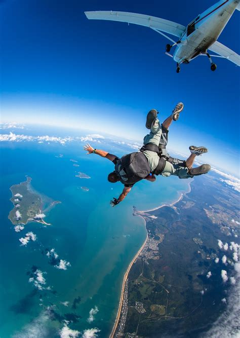 sky dive cairns attractions cairns skydiving deals and offers
