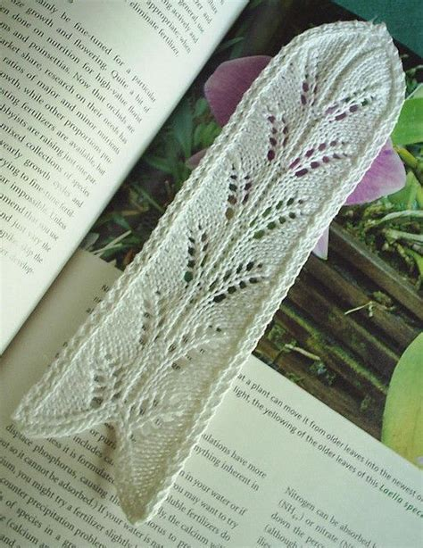 knitted bookmarks leaf bookmark by sheandaru via flickr knitting patterns