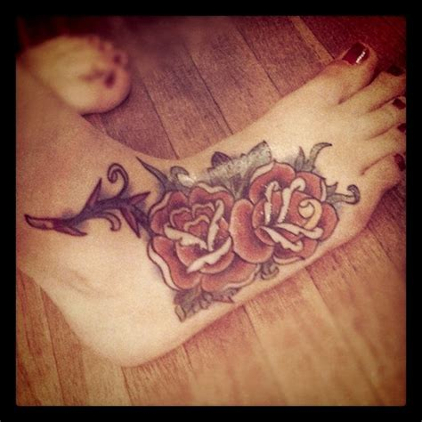 rose and thorn vine tattoos thorns and vines ronieronggo