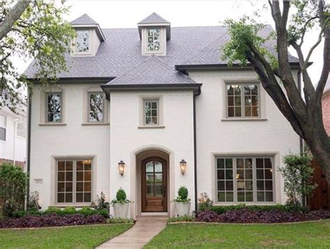 white stucco house best 25 stucco homes ideas on pinterest white stucco house mediterranean cribs and