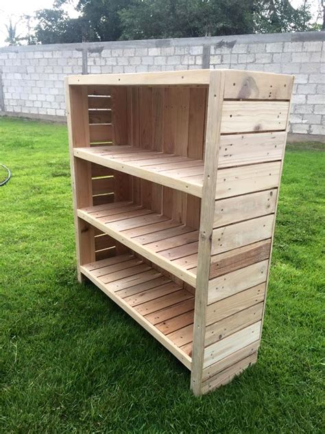 how to make pallet bookshelves bookcase out of pallets 101 pallets