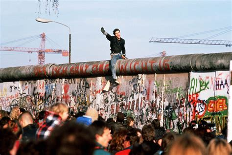 berlin now the rise the rise and fall of the berlin wall today com