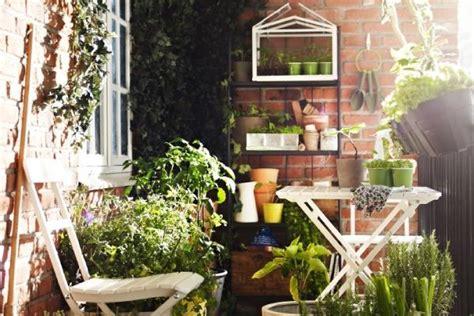 attrezzare un terrazzo idee per arredare terrazzo